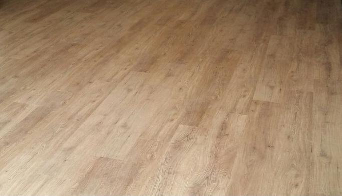 Maxx Core Interlocking Vinyl Flooring Tiles Mm LIGHT OAK MI - Interlocking vinyl flooring tiles